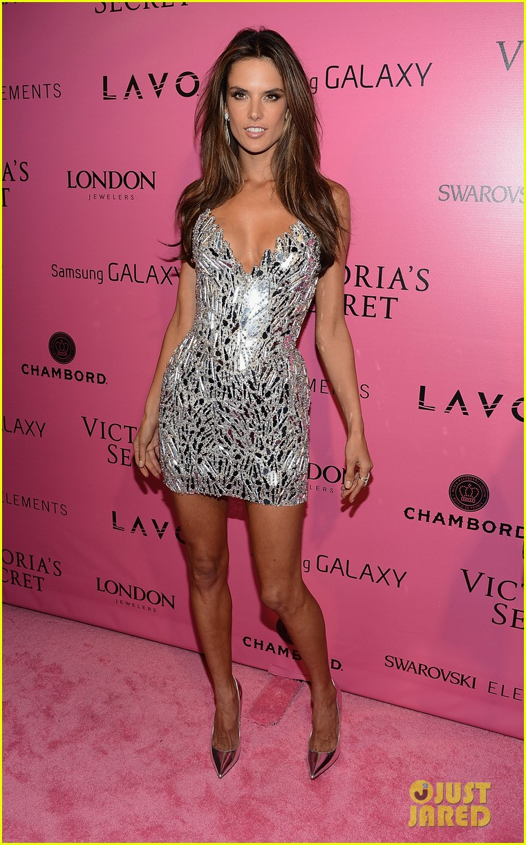miranda kerr erin heatherton victorias secret fashion show after party 09