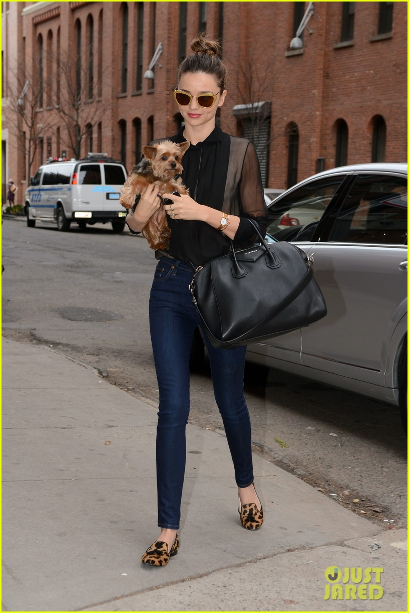 miranda kerr sunday morning with frankie 01