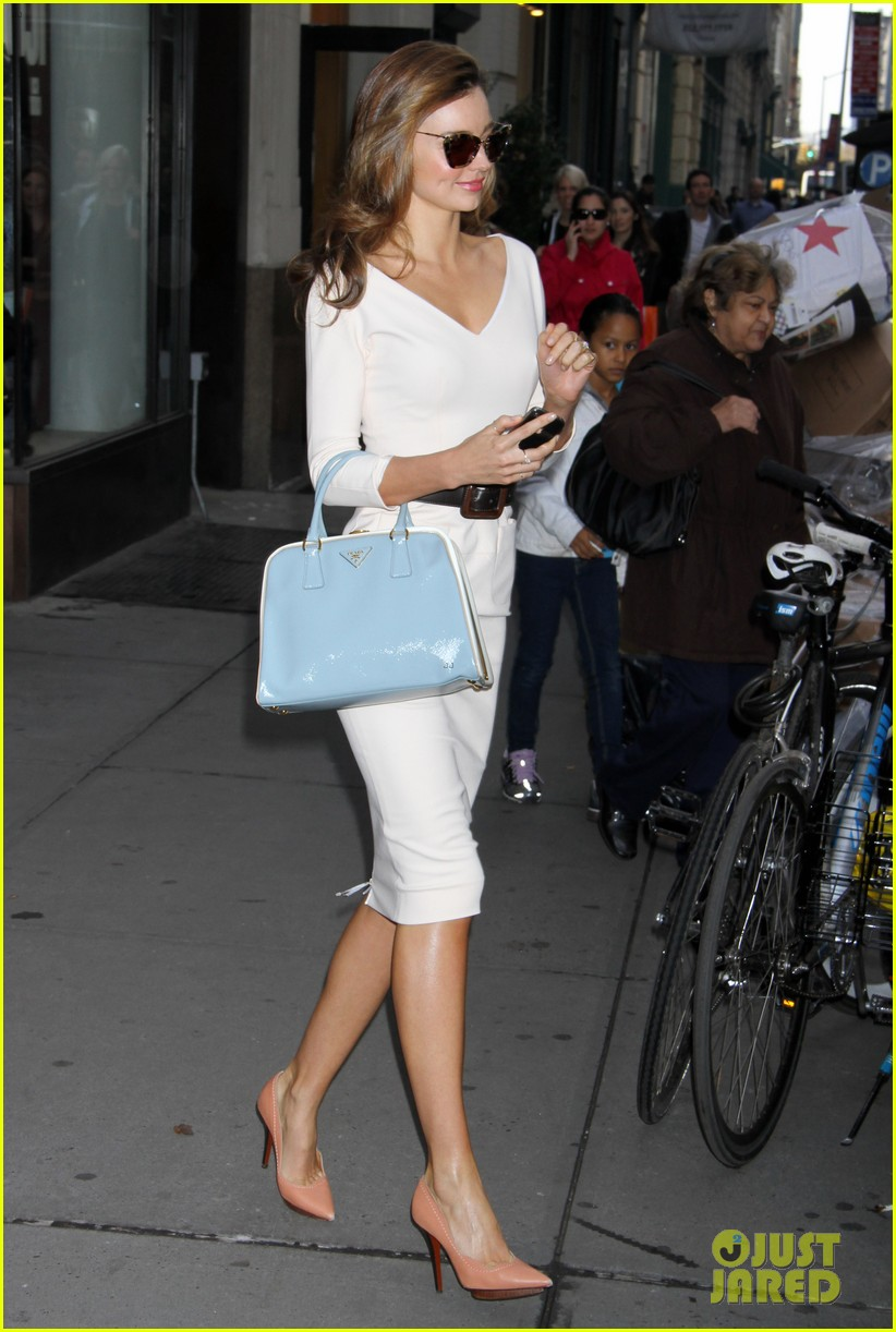miranda kerr vogue office visit 082756040