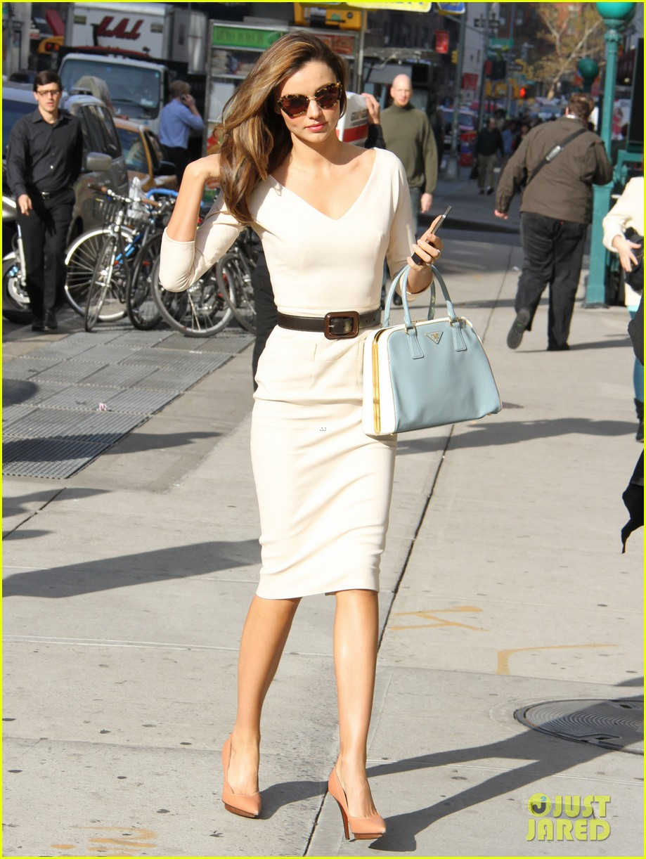miranda kerr vogue office visit 13