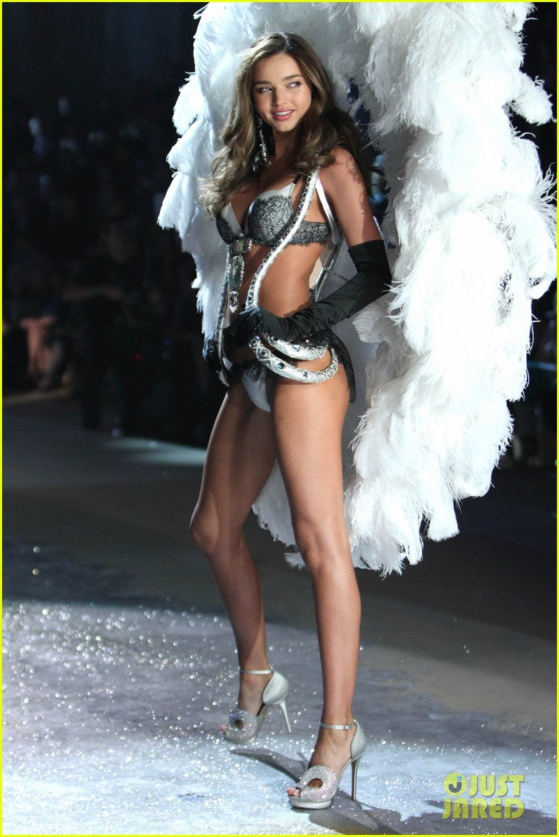 miranda kerr victorias secret fashion show 2012 222753010