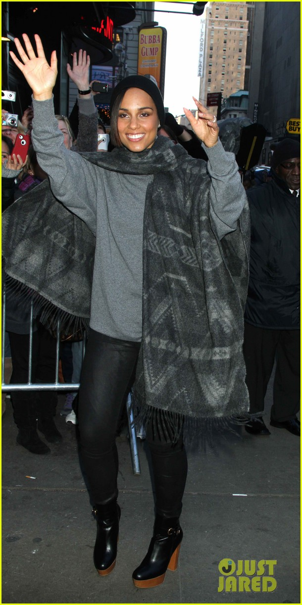 alicia keys lights the empire state building 11