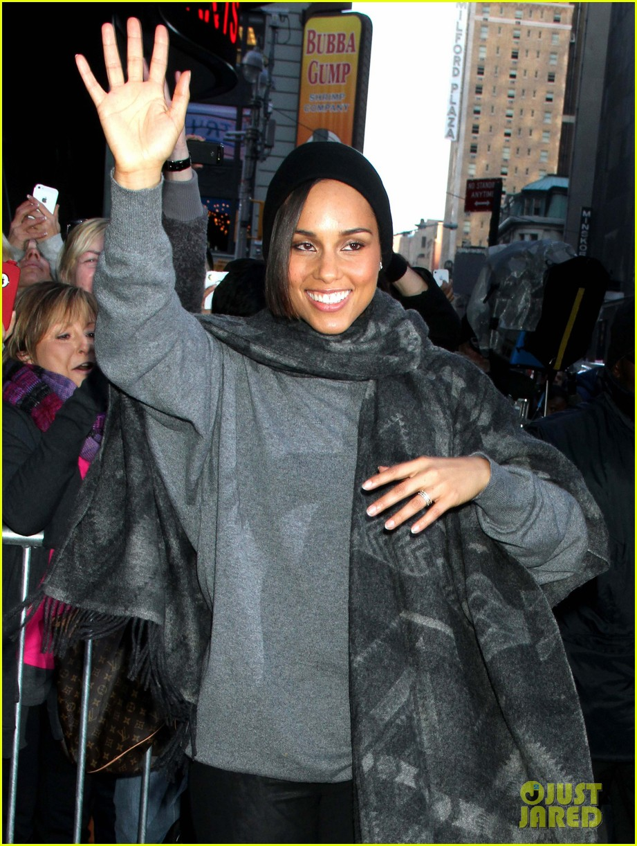 alicia keys lights the empire state building 12