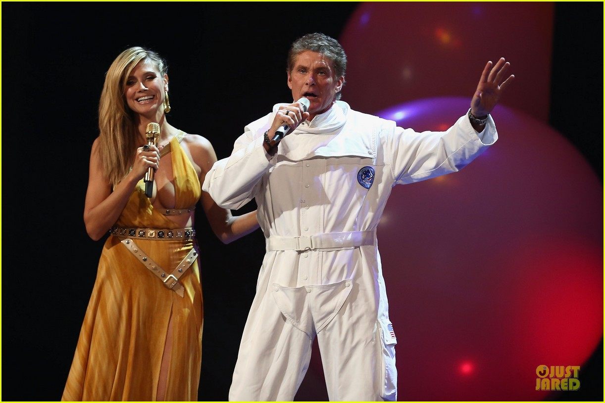 heidi klum mtv emas hosting duties 13