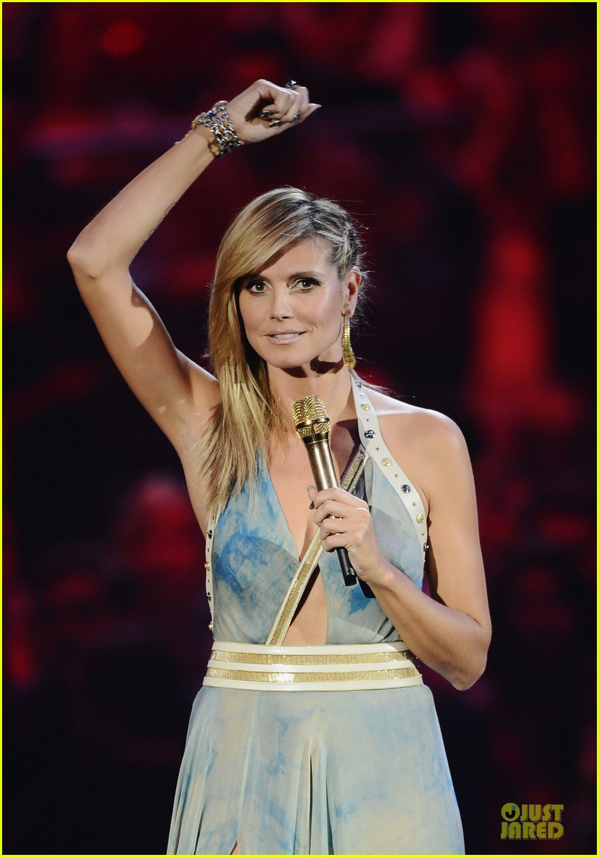 heidi klum mtv emas hosting duties 17