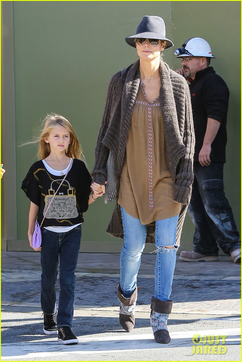 heidi klum holiday shopping at the grove 14