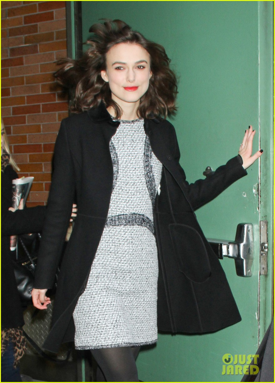 keira knightley wedding dress not picked out yet 03