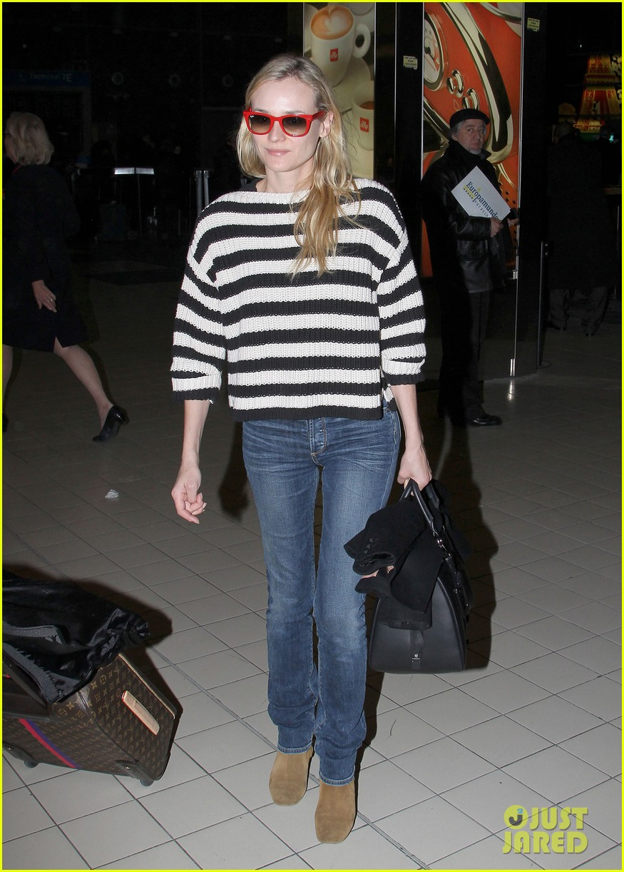 diane kruger striped sweater at charles de gaulle airport 01