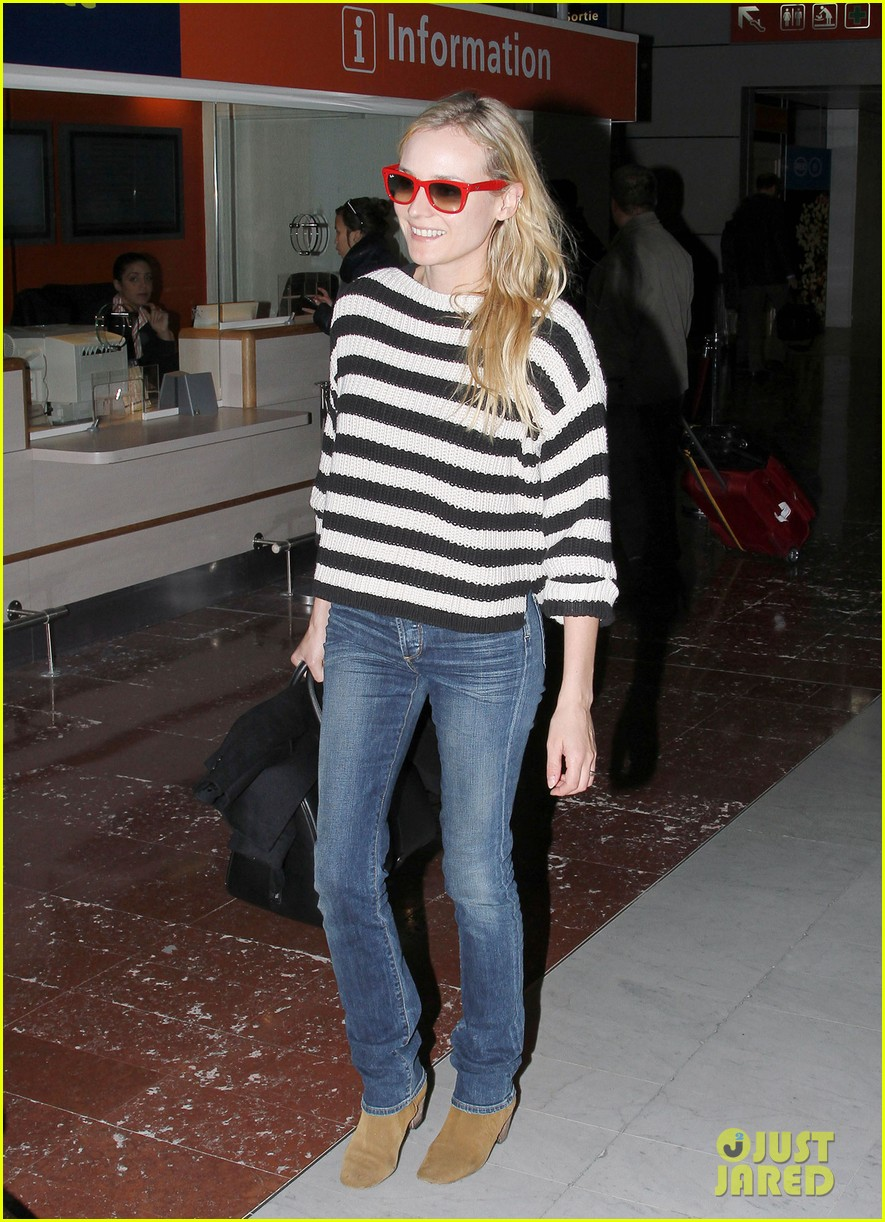 diane kruger striped sweater at charles de gaulle airport 03
