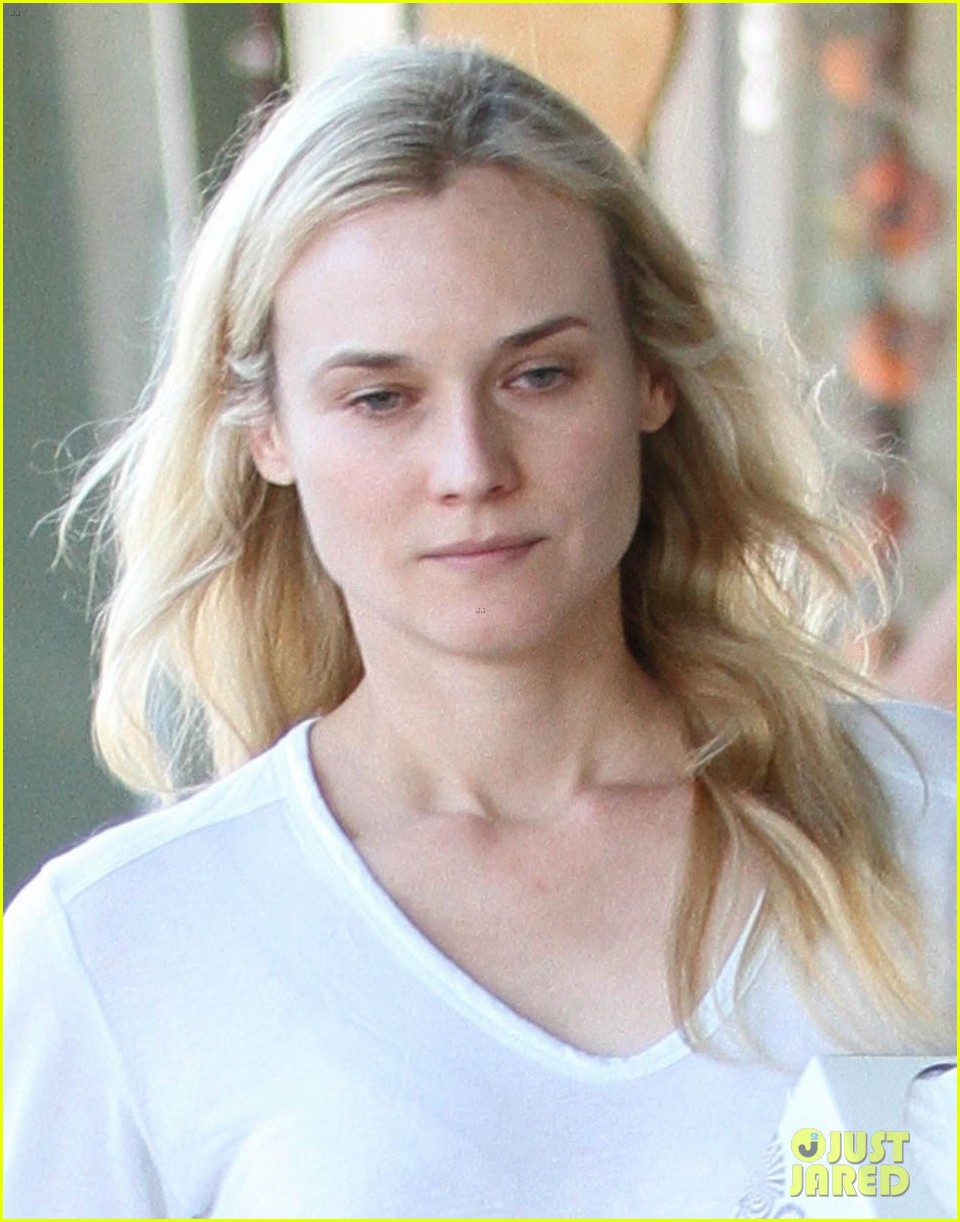 diane kruger walks with her tissue box 03