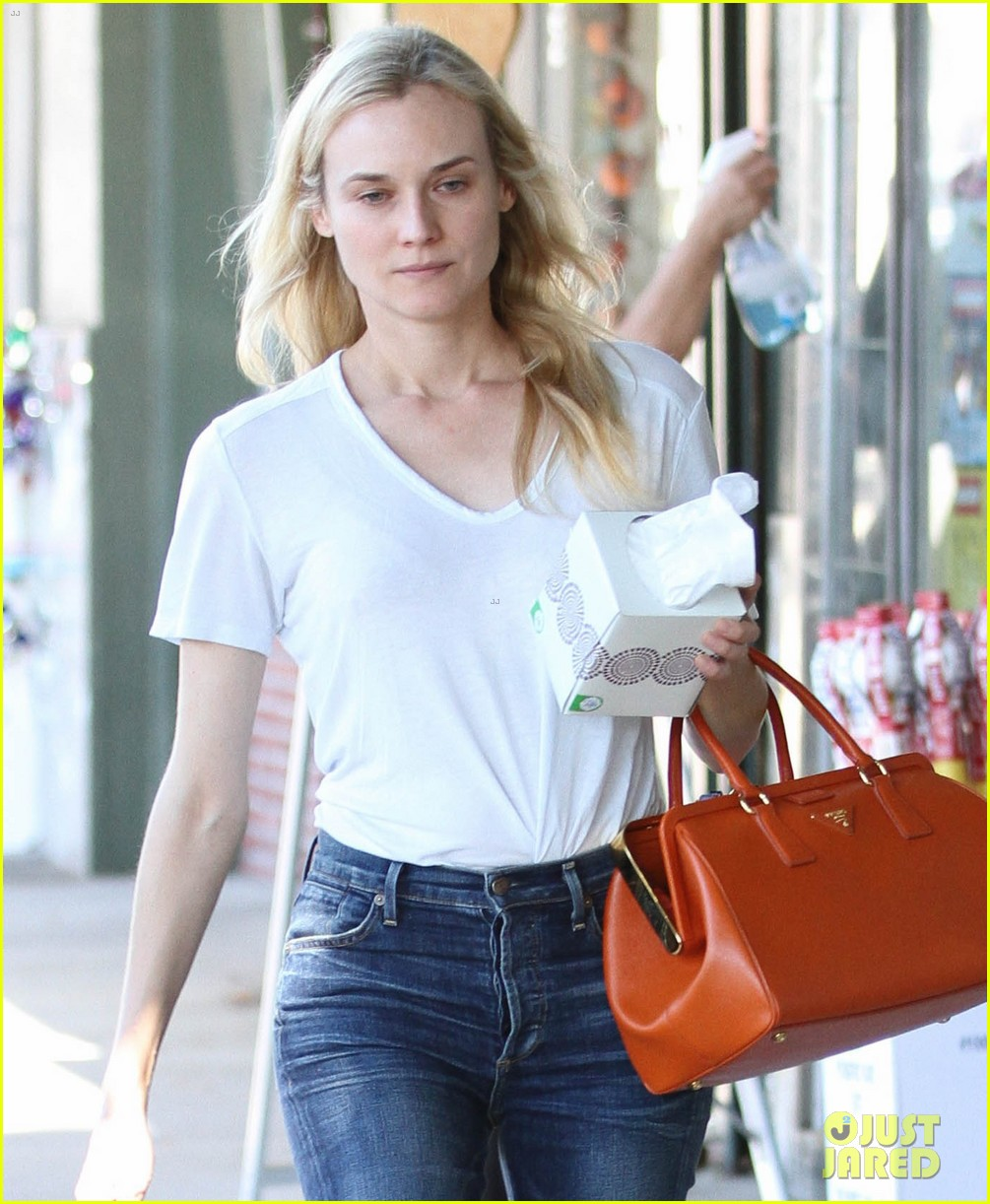 diane kruger walks with her tissue box 05