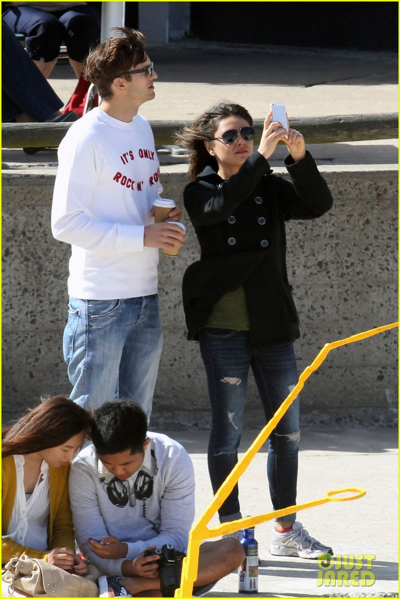 mila kunis ashton kutcher bondi to bronte beach walk 17