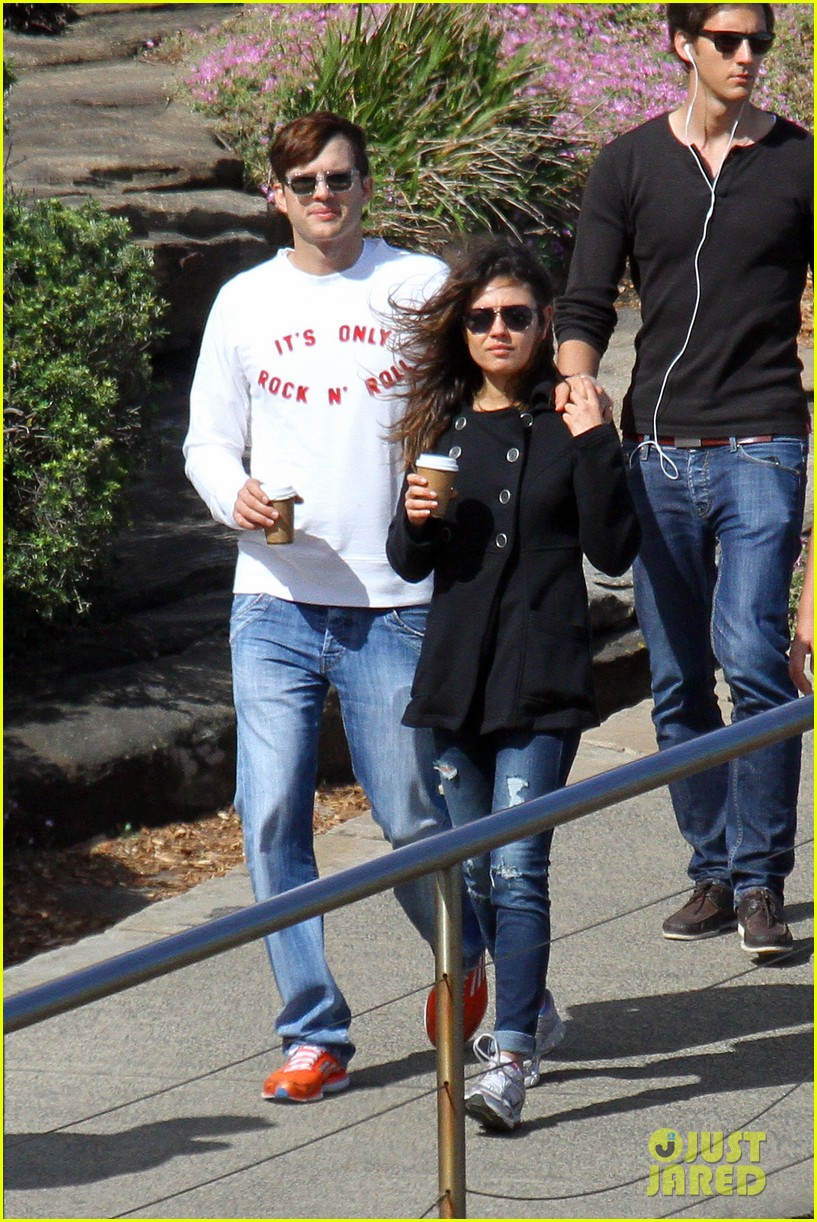 mila kunis ashton kutcher bondi to bronte beach walk 21