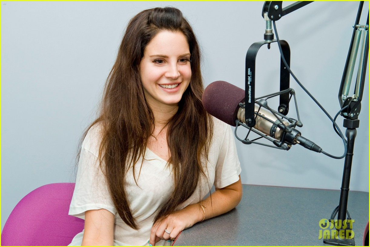 lana del rey just jared interview jaime king 14