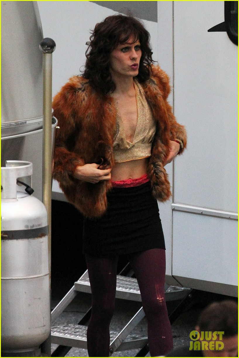 jared leto cross dresses on dallas buyers club set 02
