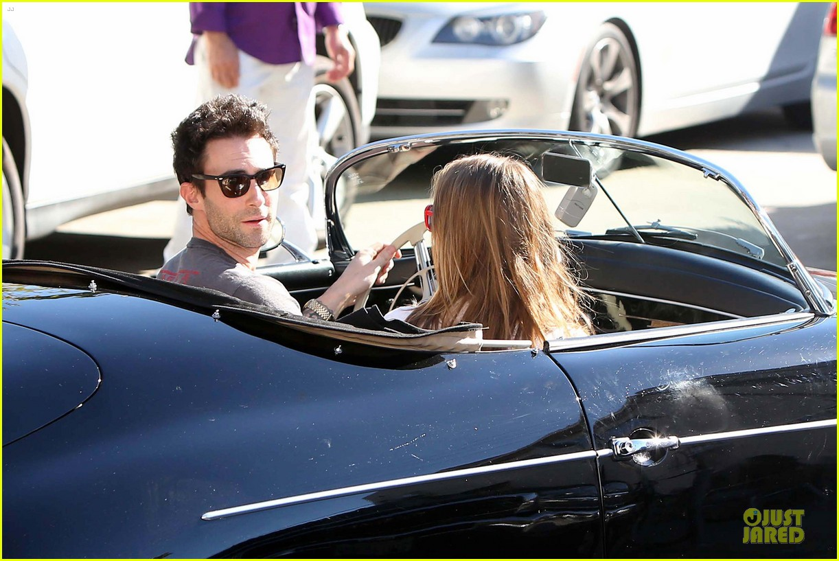 adam levine behati prinsloo text red cross to 90999 07