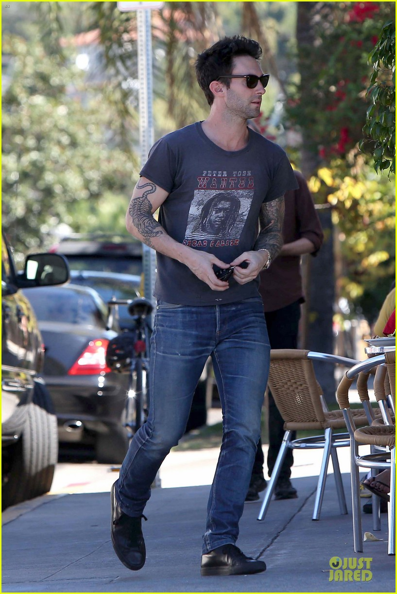 adam levine behati prinsloo text red cross to 90999 15