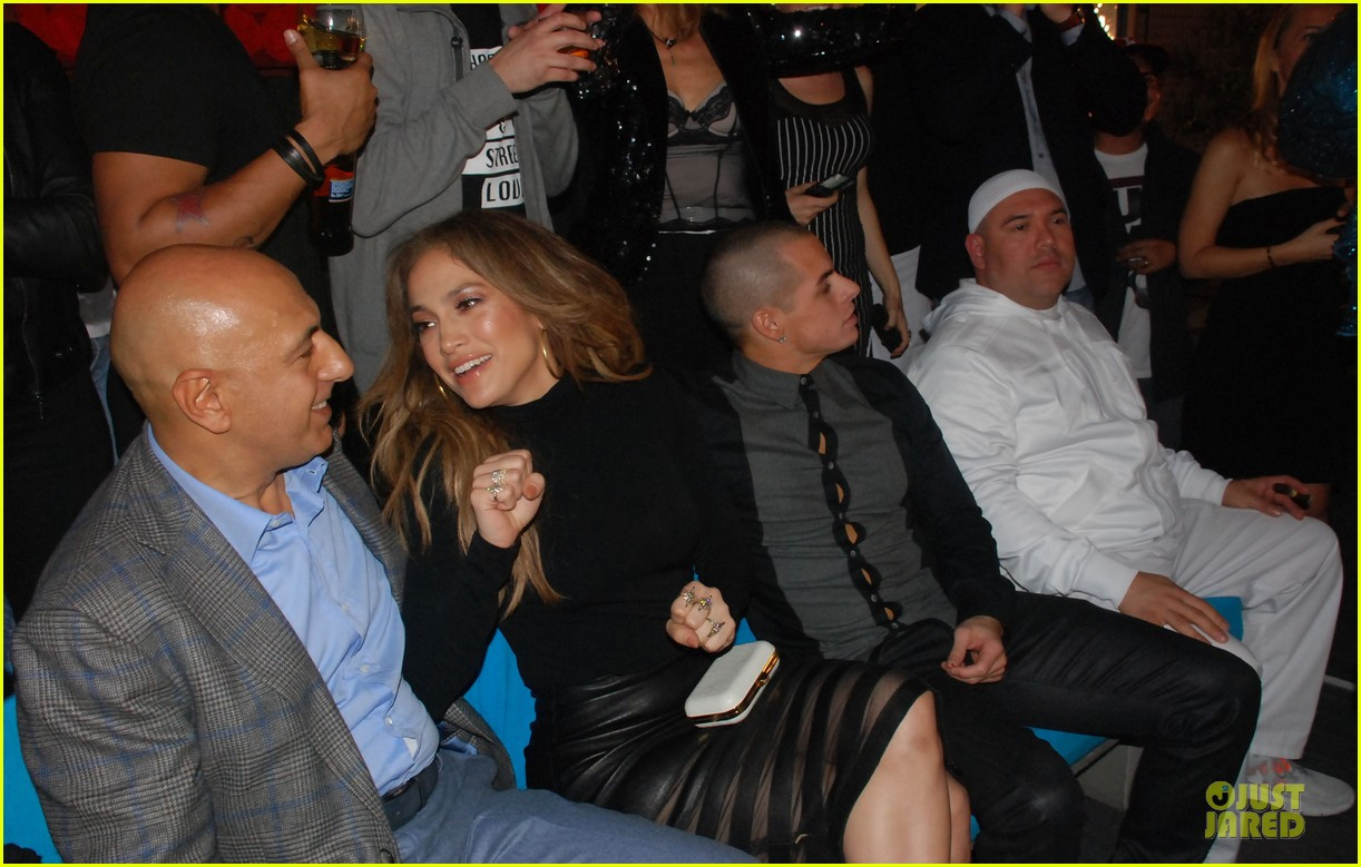 jennifer lopez makes entertainment tonight power list 09