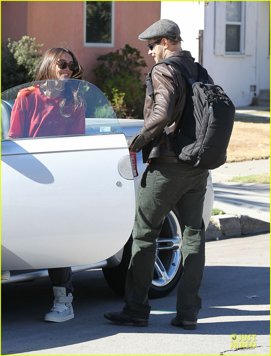 kellan lutz sharni vinson goodbye kissing couple 12