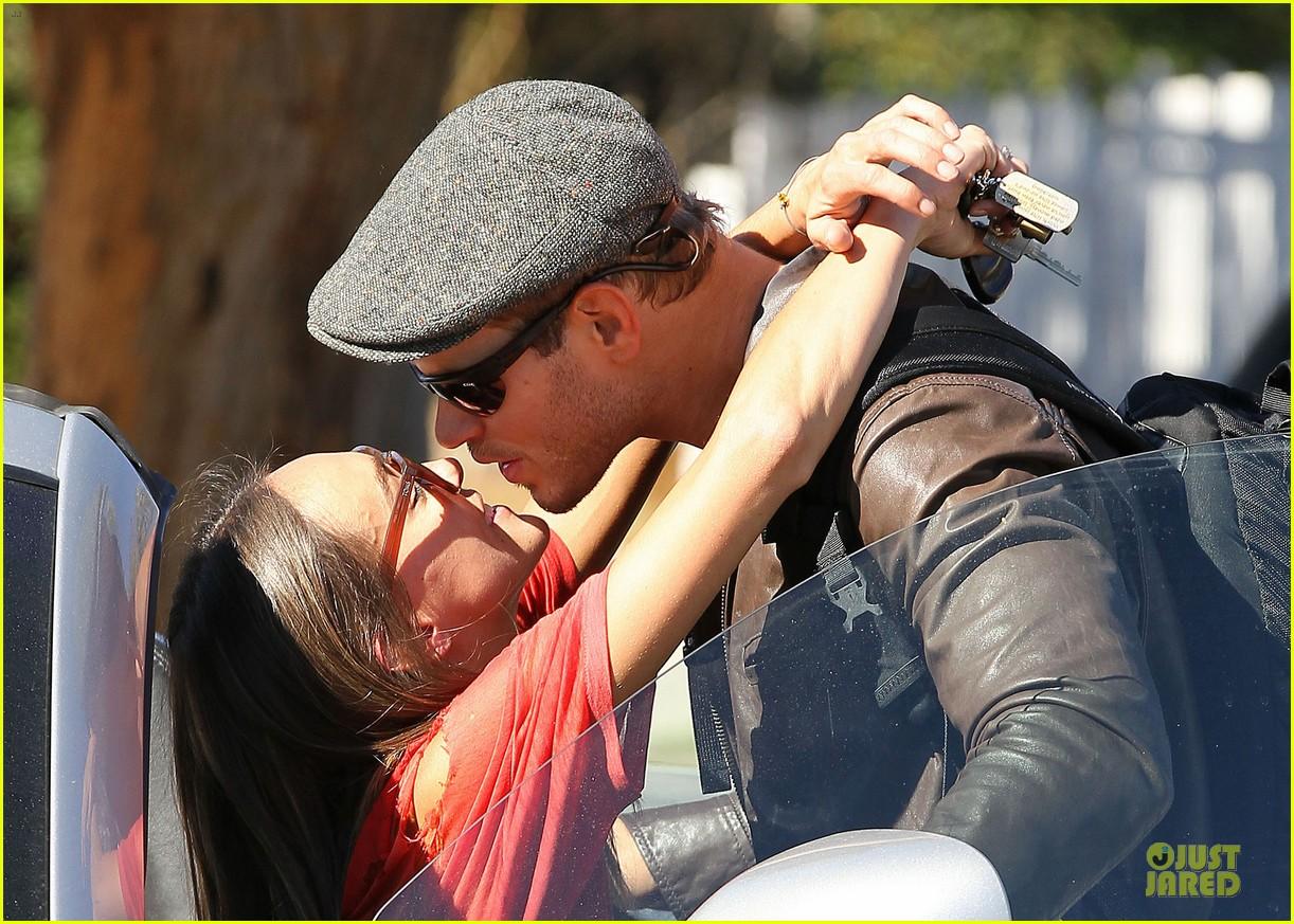kellan lutz sharni vinson goodbye kissing couple 15
