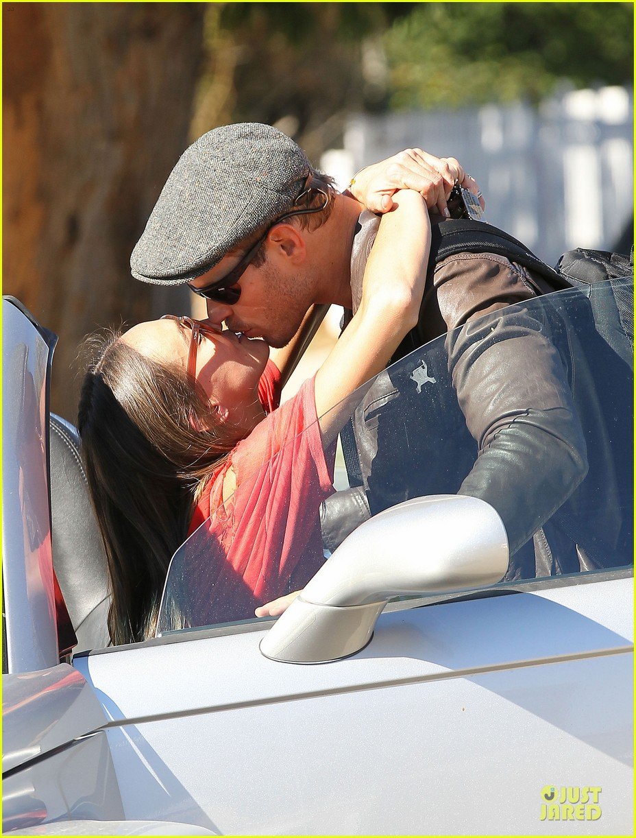 kellan lutz sharni vinson goodbye kissing couple 16