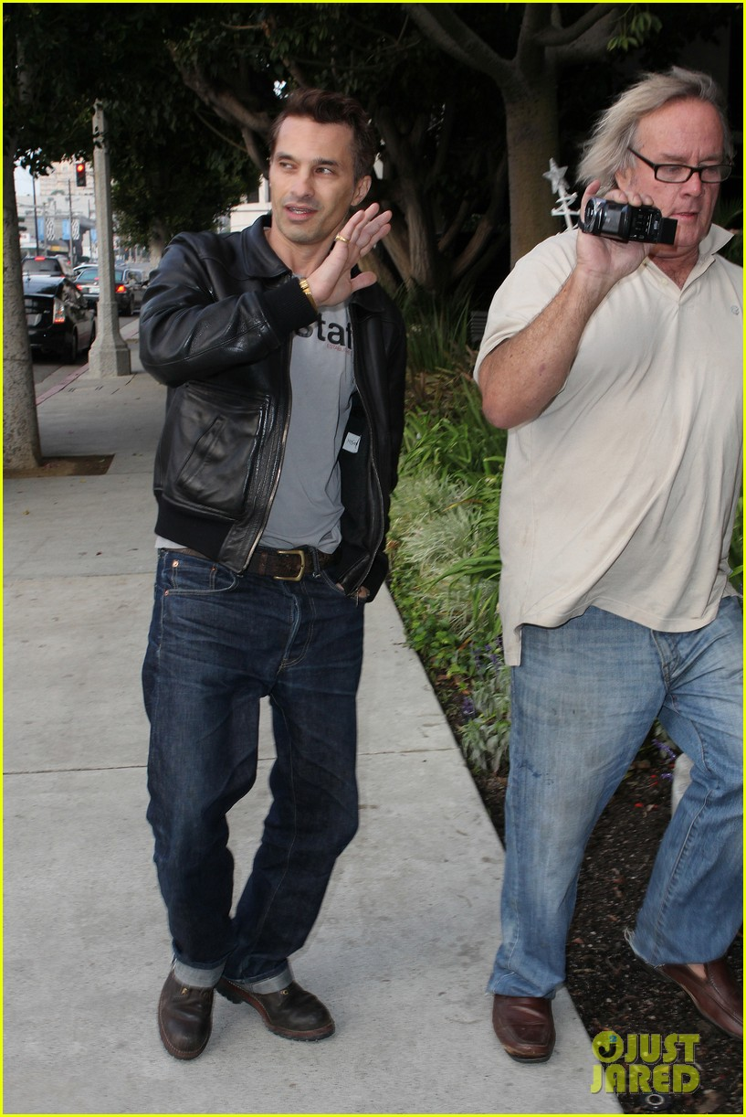 olivier martinez tuesday morning doctors visit 08