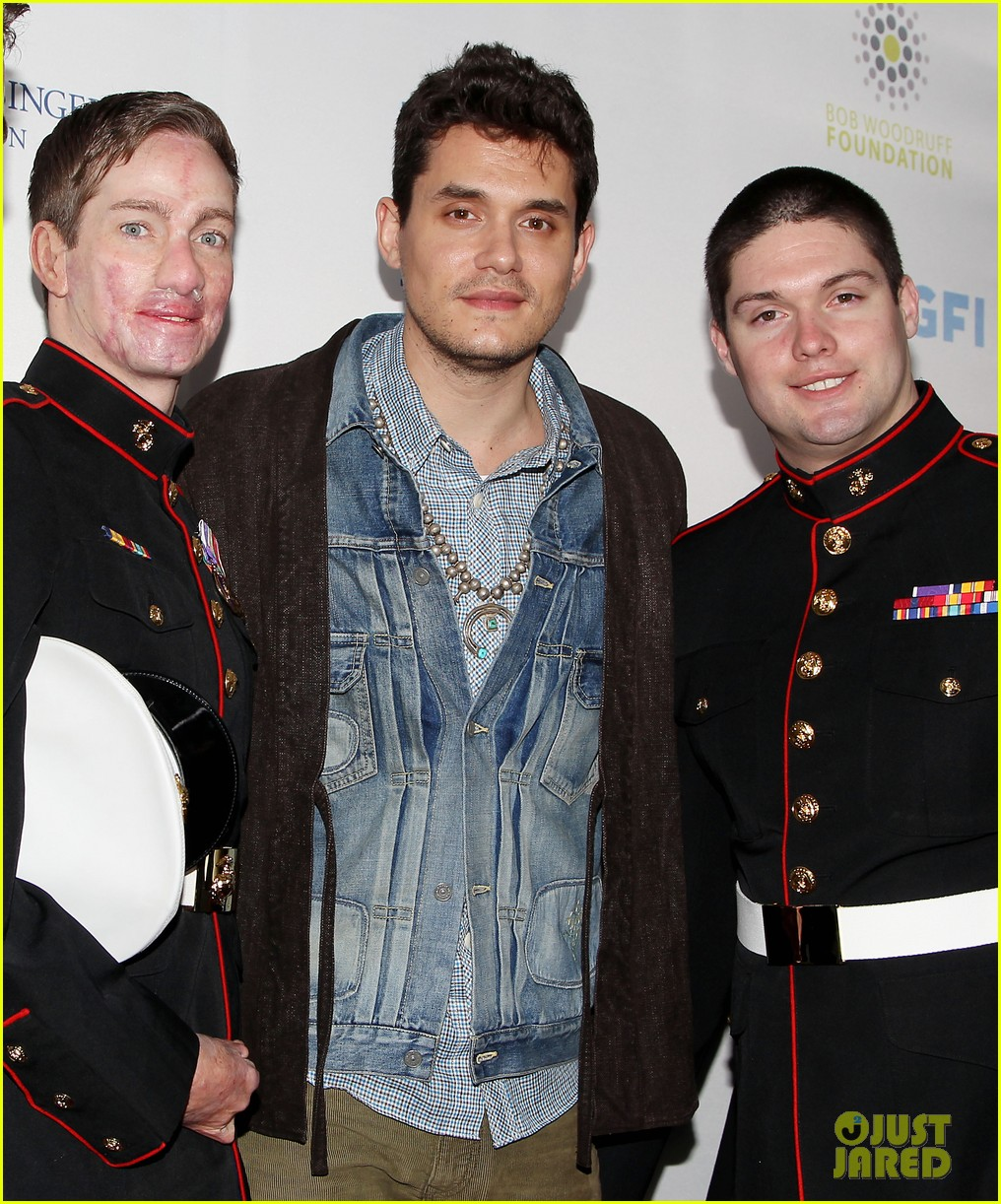 john mayer allison williams stand up for heroes event 03