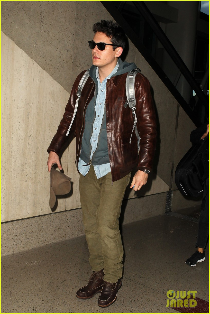 john mayer lands in los angeles 012755245
