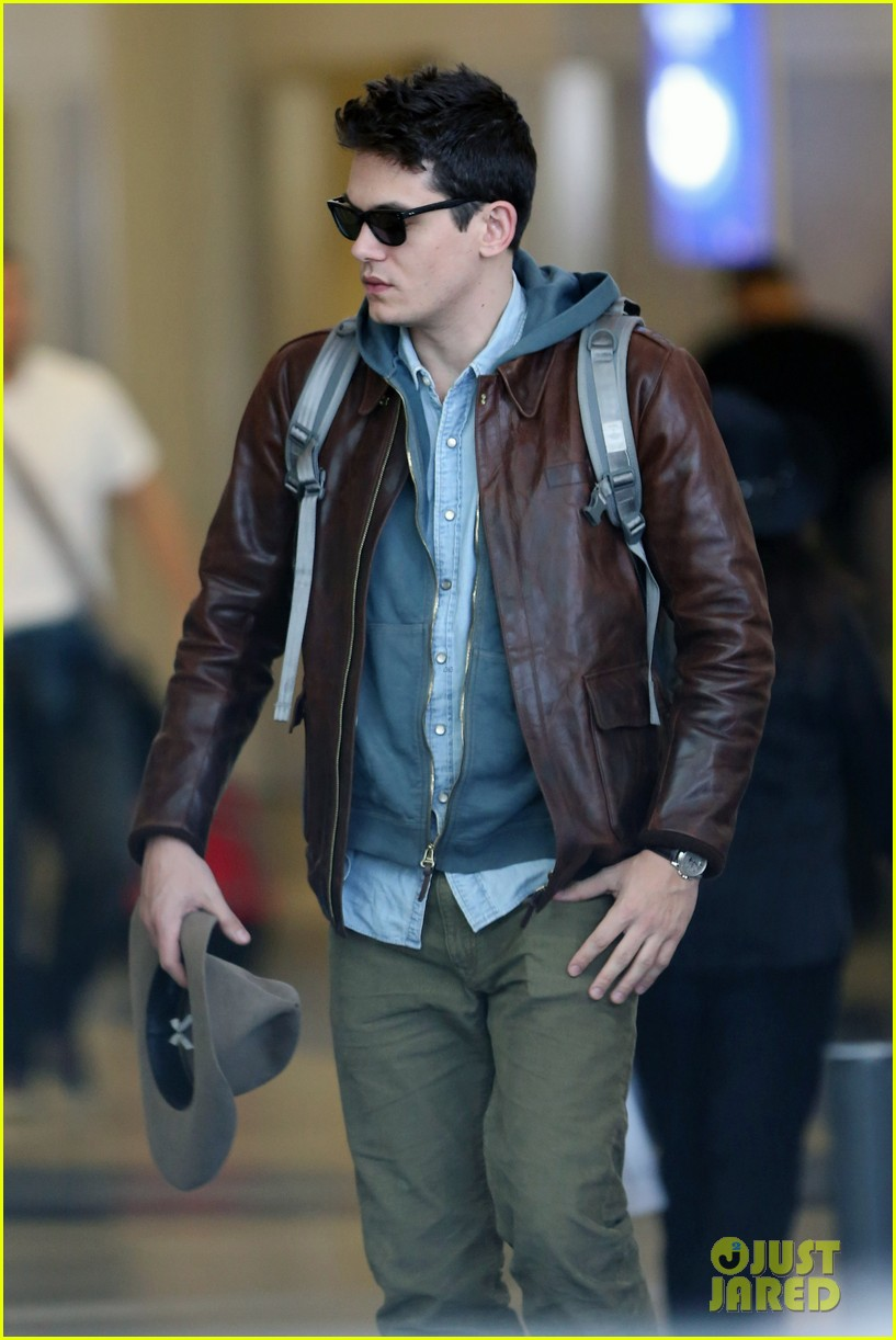 john mayer lands in los angeles 042755248