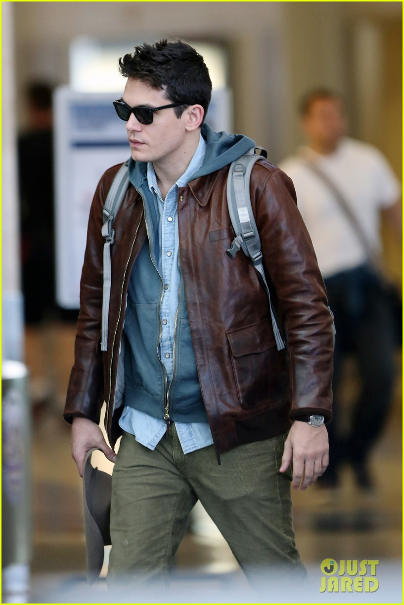 john mayer lands in los angeles 09