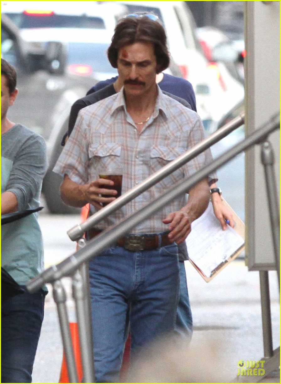 matthew mcconaughey camila alves dallas buyers club set visit 06