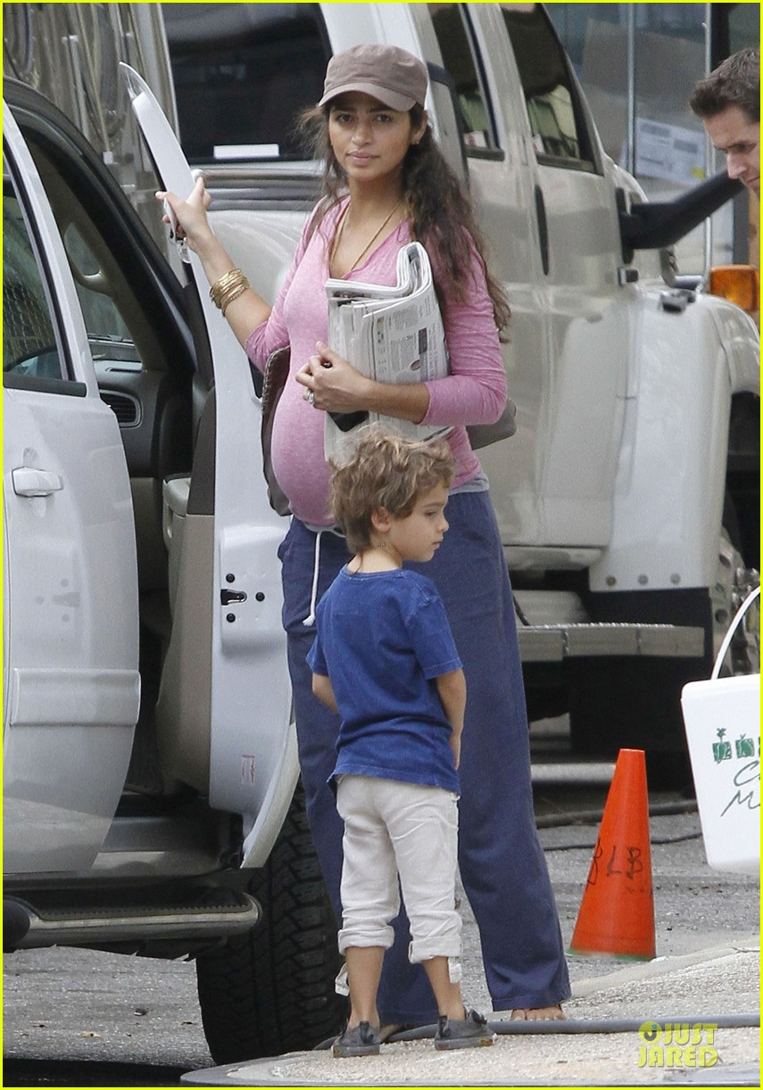 matthew mcconaughey camila alves dallas buyers club set visit 18