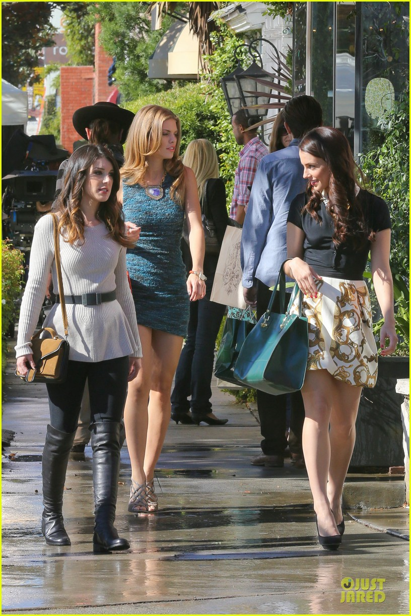 annalynne mccord 90210 set with shenae grimes & jessica stroup 032756803
