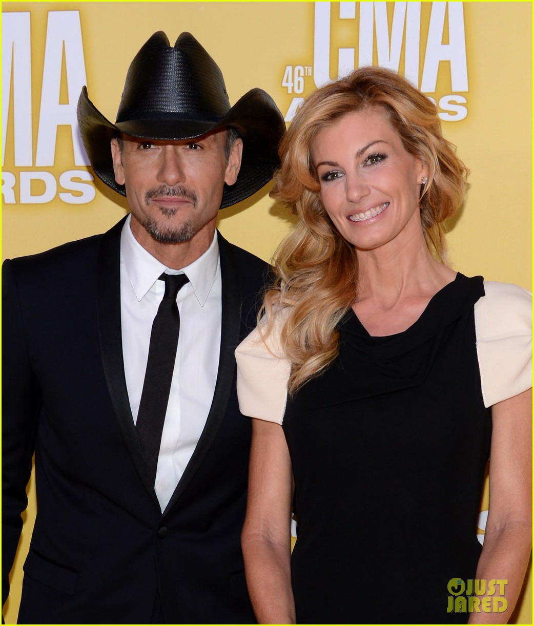 tim mcgraw faith hill cma awards 2012 red carpet 032749552