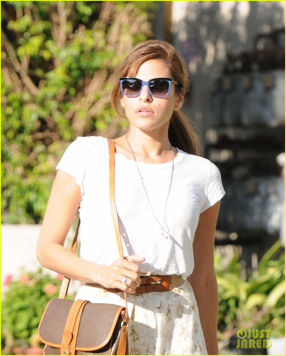 eva mendes weho shopper 05
