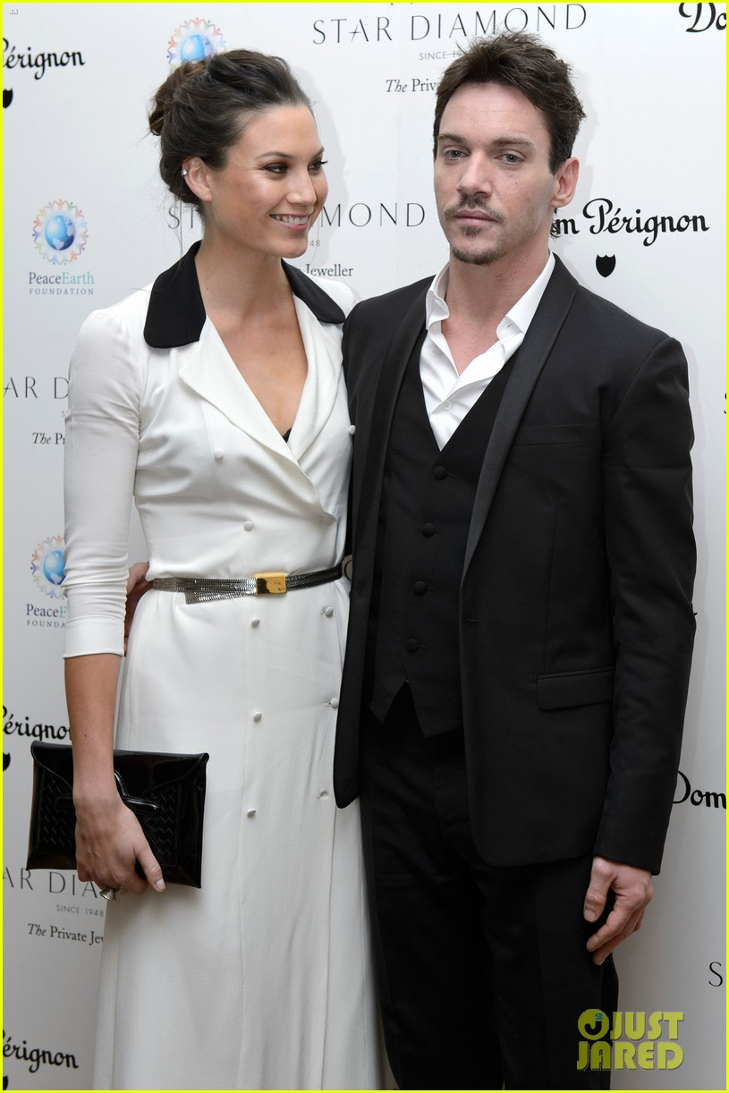 jonathan rhys meyers james mcavoy peaceearth gala 17
