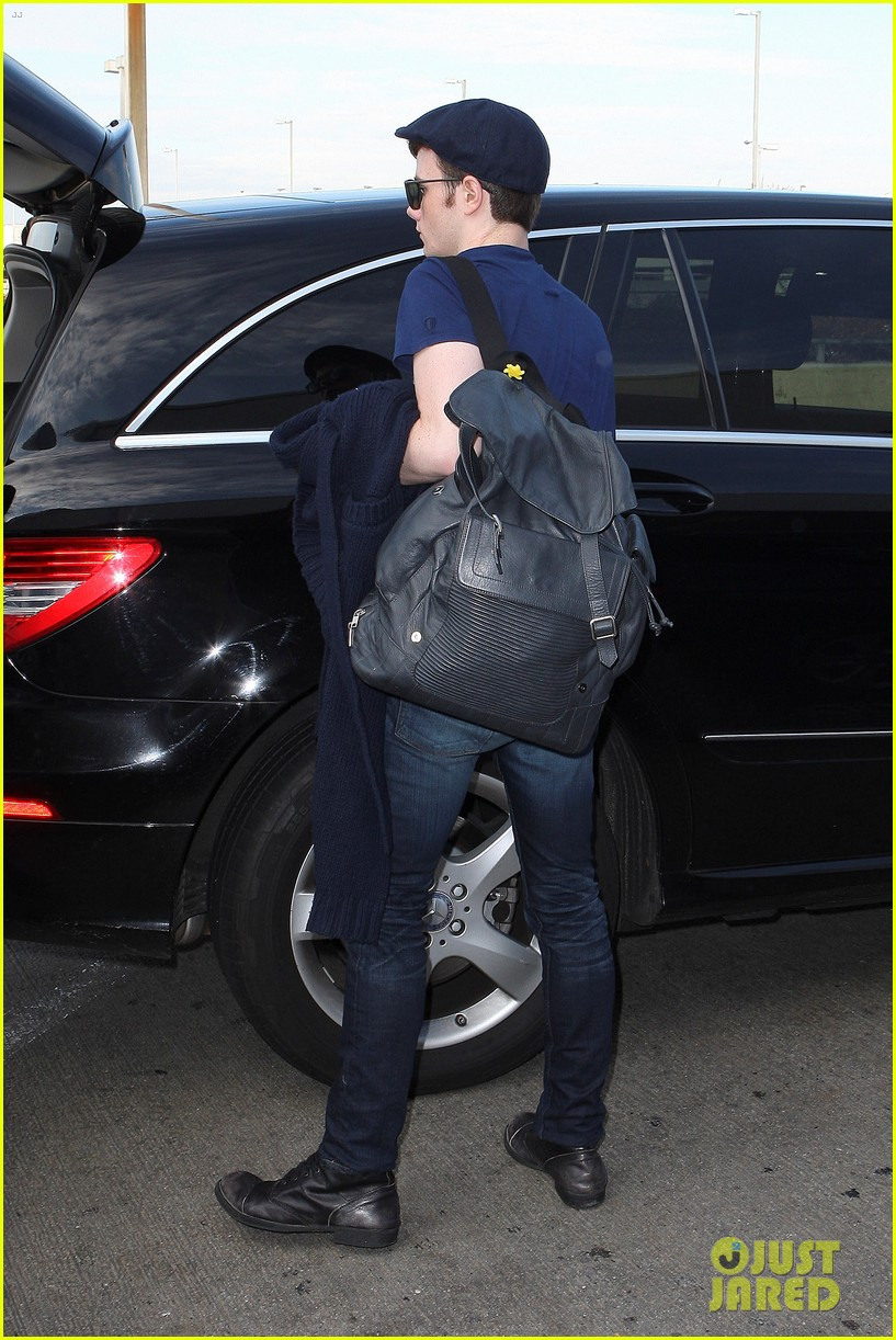 lea michele chris colfer jet to nyc for glee filming 102759762
