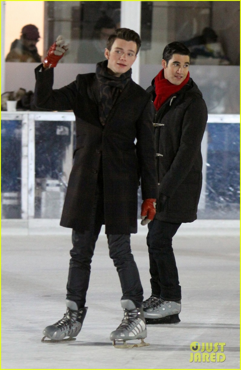 lea michele leaves nyc chris colfer ice skates for glee 03