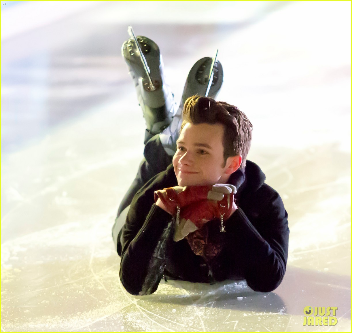 lea michele leaves nyc chris colfer ice skates for glee 04