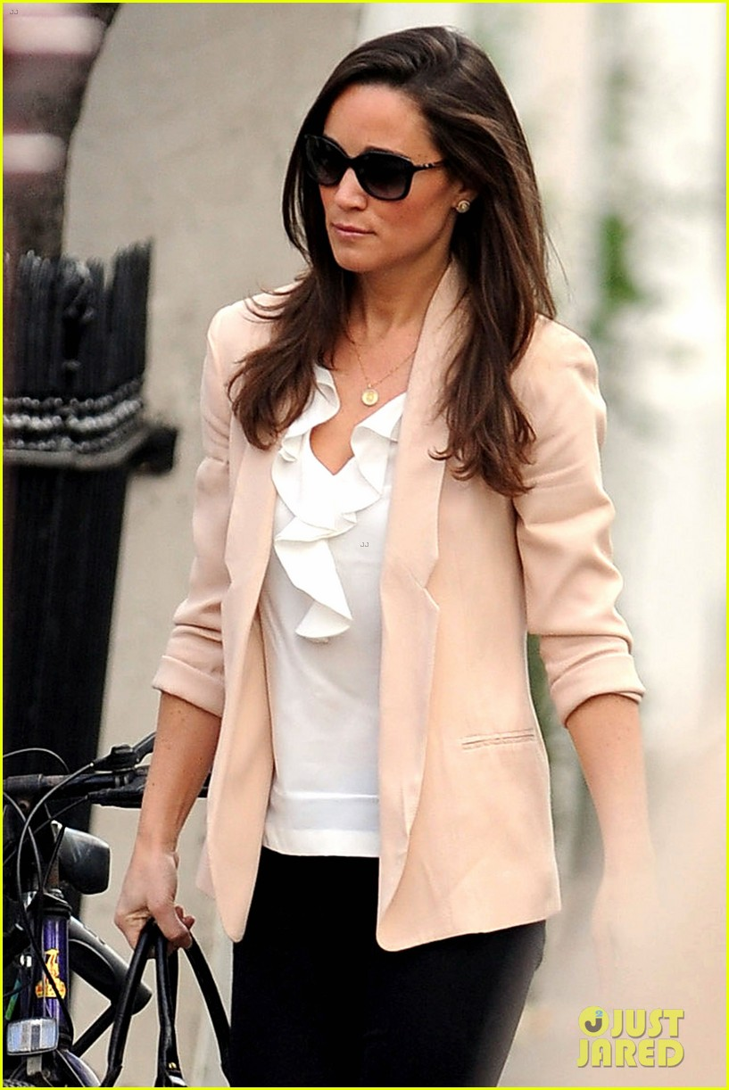 pippa middleton book poor first week sales 042758340