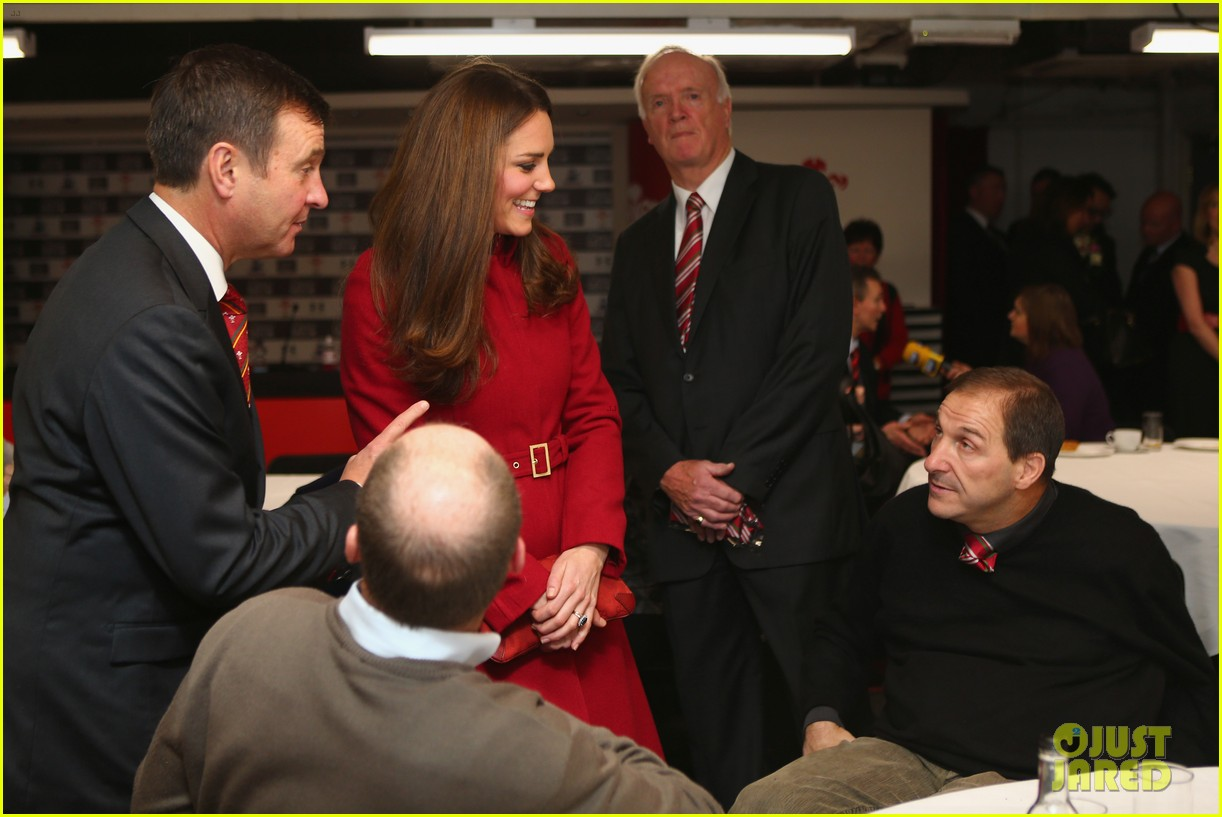 kate middleton prince william rugby match in wales 06