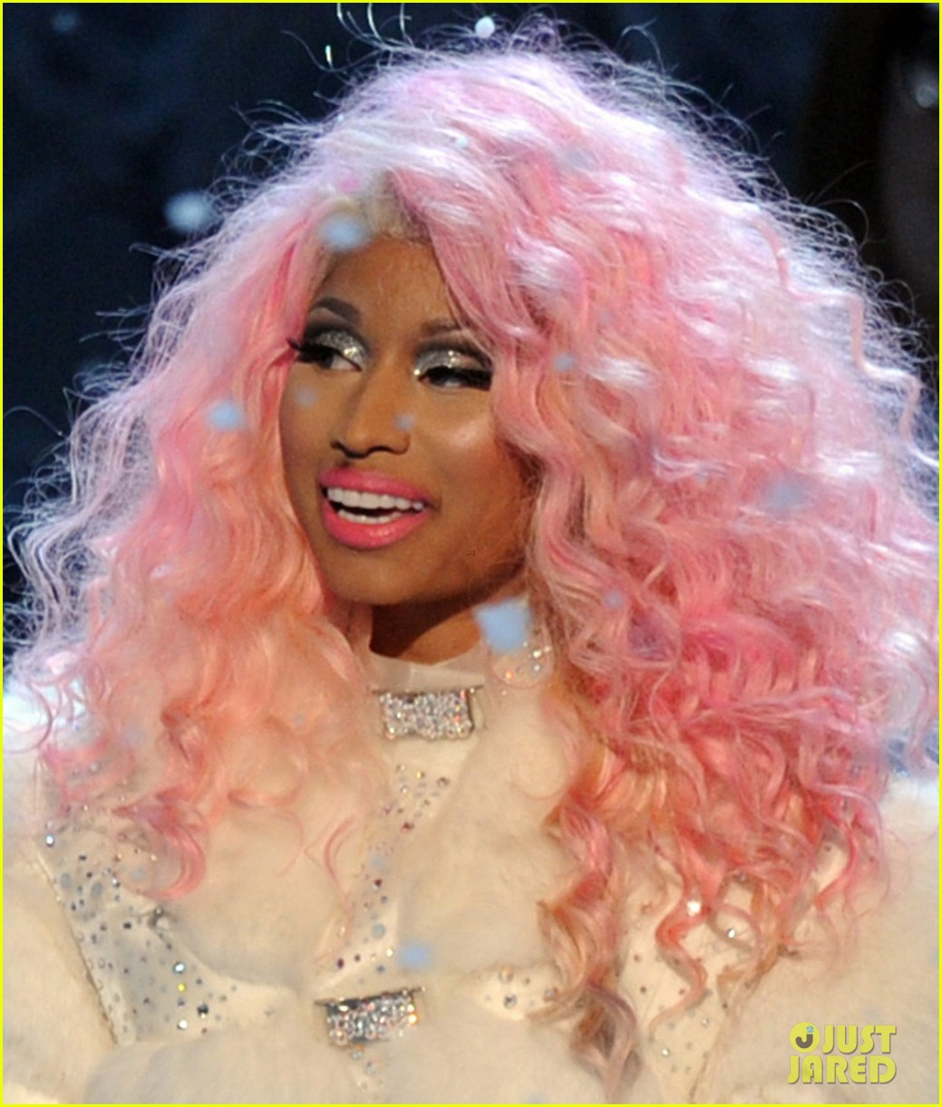 nicki minaj freedom performance at amas 2012 watch now 022760385