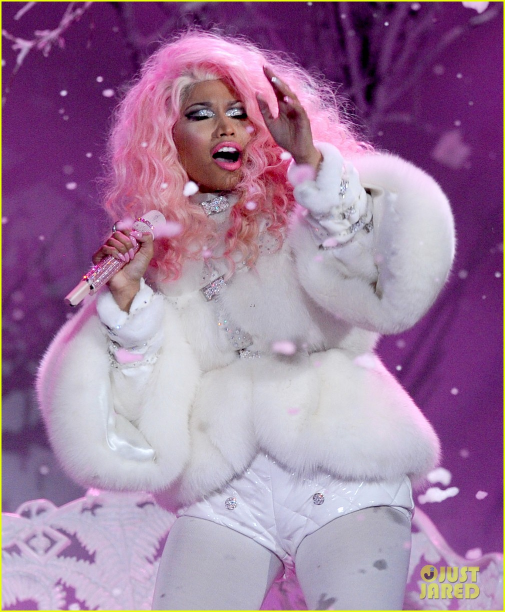 nicki minaj freedom performance at amas 2012 watch now 03
