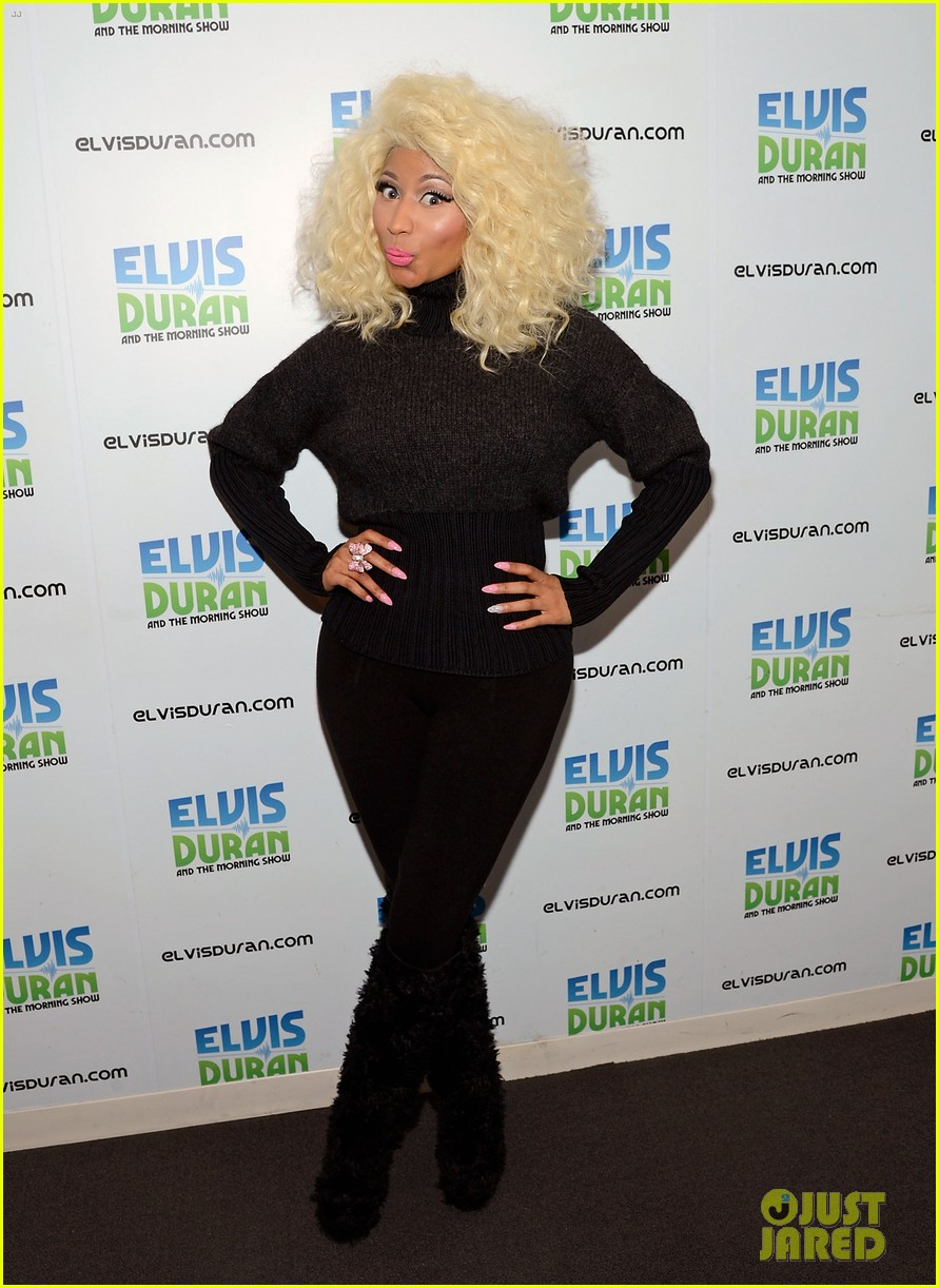 nicki minaj shut out of own album release party 14
