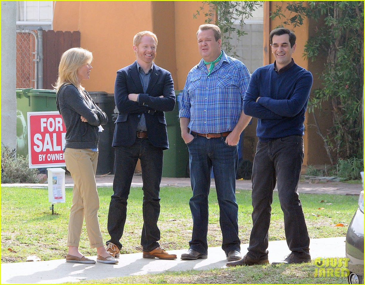 modern family filming scenes 132749641