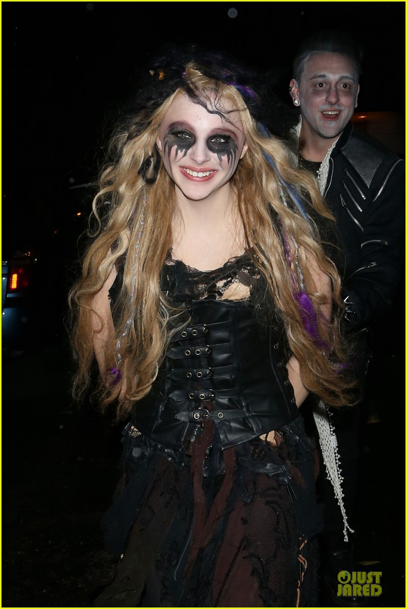 chloe moretz jonathan ross halloween party 02