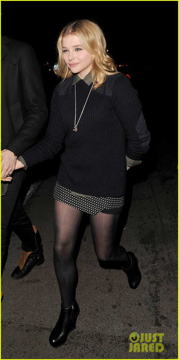 chloe moretz rihanna 777 tour concertgoer in london 08