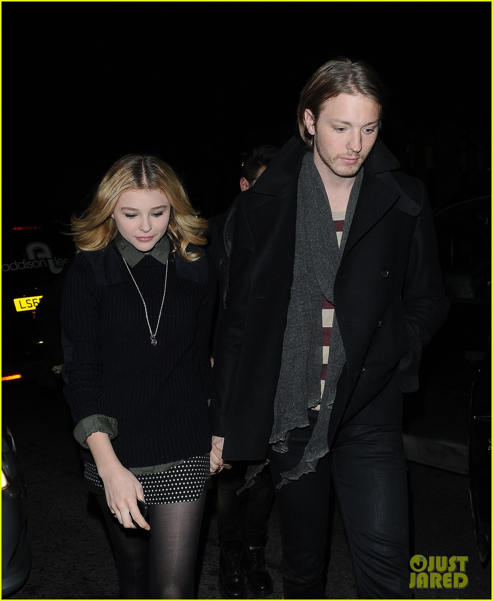 chloe moretz rihanna 777 tour concertgoer in london 11