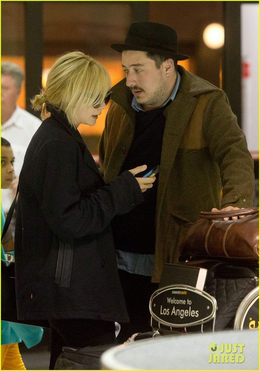 carey mulligan marcus mumford land in los angeles 03