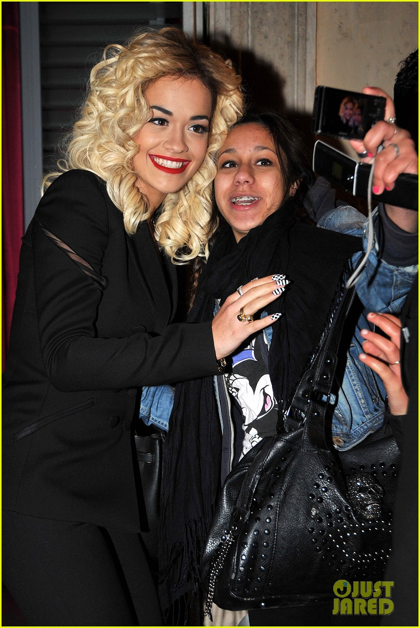 rita ora vip room paris showcase 032758812